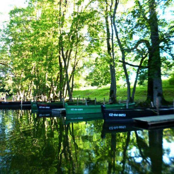 łodzie na rzece Krutyń
