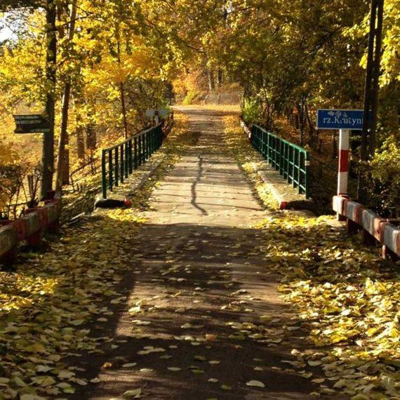 most na rzece Krutyń