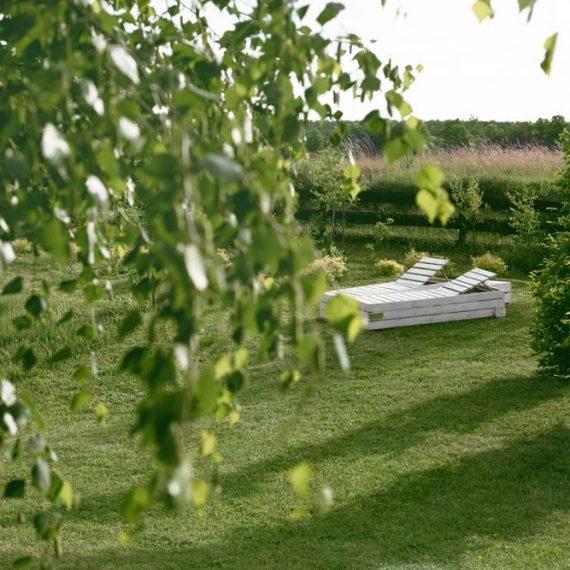 w ogrodzie | Gościniec Szuwary w Krutyni