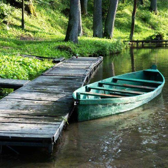 na rzece Krutyń
